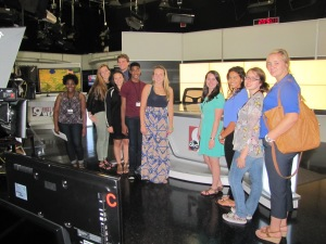 M&M students toured WCPO-TV, with an inside look at its ground-breaking approach to digital news at WCPO.com with managing editor Chris Graves.